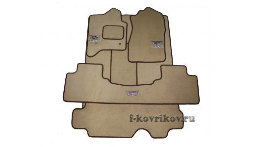 Пример комплекта с задним цельным ковриком и ковром третьего ряда