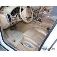 Коврики в салоне Porsche Cayenne 2